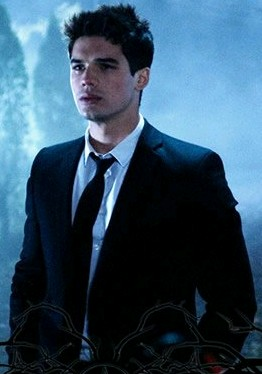 steven strait rise from the ashes