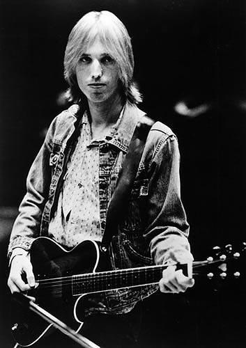 tom petty it's good to be kingtom petty and the heartbreakers, tom petty скачать, tom petty learning to fly, tom petty free fallin, tom petty i won't back down, tom petty it's good to be king, tom petty discography, tom petty american girl перевод, tom petty refugee, tom petty hypnotic eye, tom petty saving grace, tom petty wiki, tom petty wildflowers перевод, tom petty and the heartbreakers скачать, tom petty refugee перевод, tom petty last dj, tom petty & the heartbreakers american girl, tom petty face in the crowd, tom petty karaoke, tom petty american girl lyrics